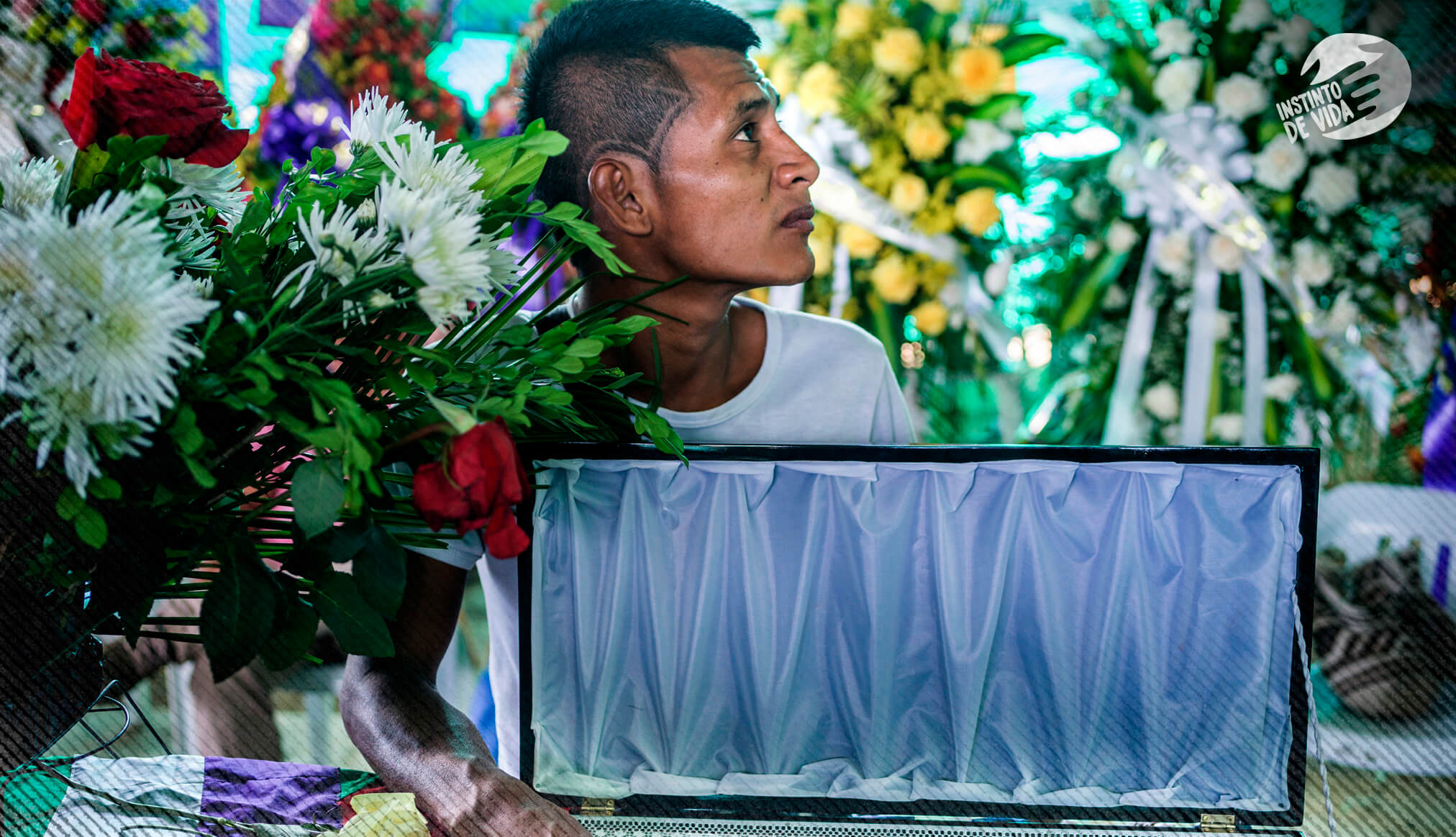 Acompañamos a una comunidad al entierro de su líder asesinado
