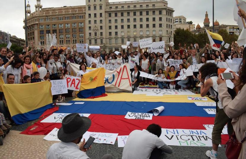 ¡Pacifistas colombianos, armemos una revolución sin fronteras!