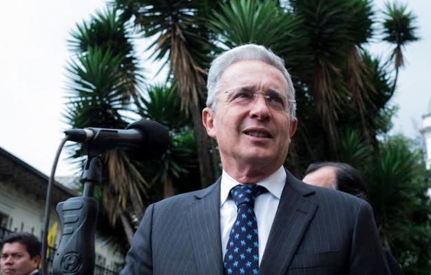 Historia y testimonios de las masacres que salpican a Álvaro Uribe