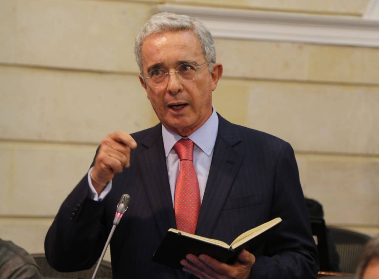Uribe destapó sus cartas: así se defenderá  ante la Corte Suprema