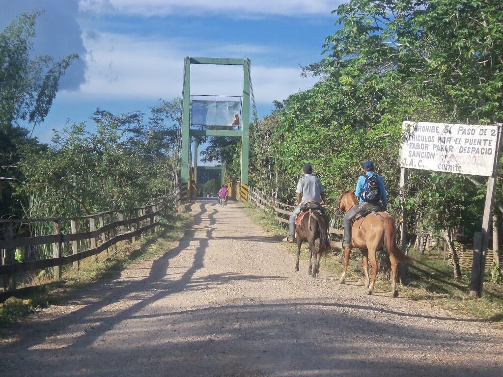 ¿Quién gobierna en San Juan de Lozada?