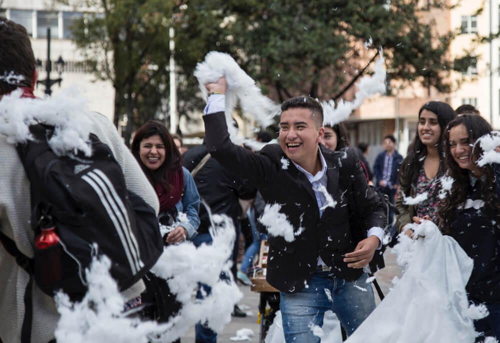 """Así fue """"La última guerra en Colombia"""": una guerra de almohadazos"""