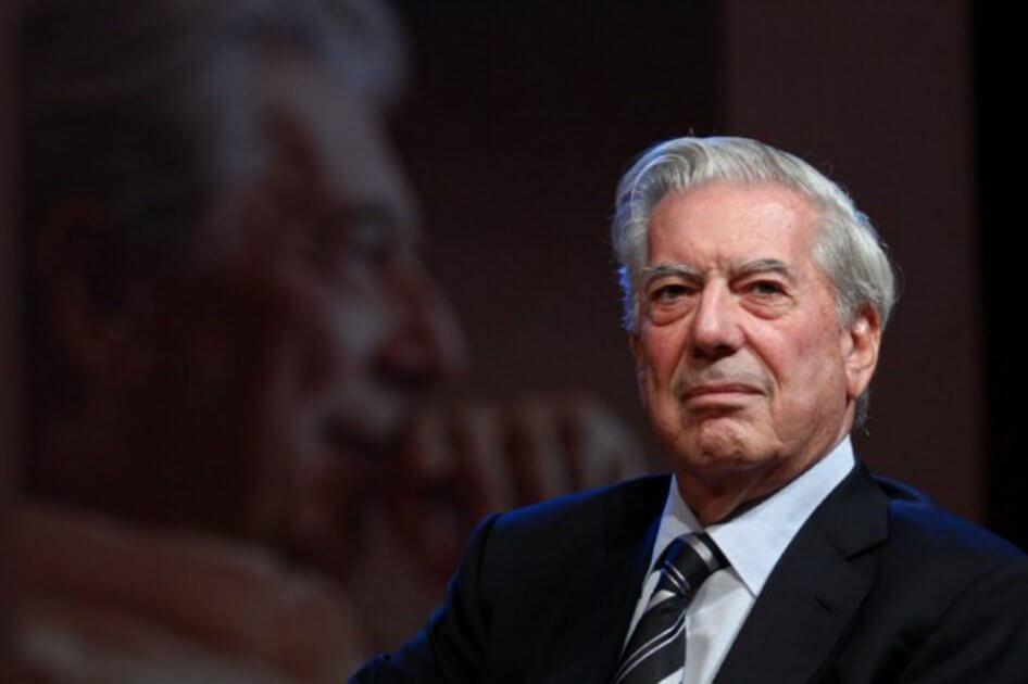 A Vargas Llosa tanta política le está empañando la cultura