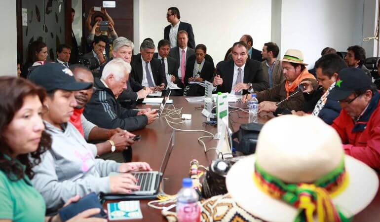 Dialogar con la Cumbre Agraria no es una 'mamertada' más