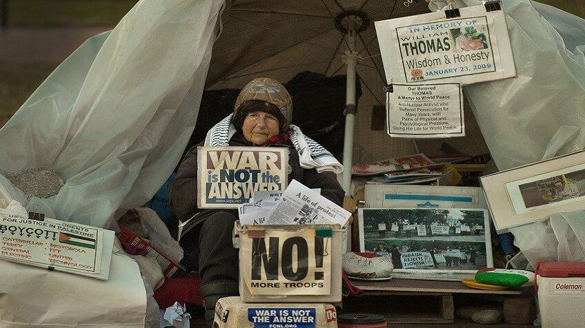 Murió la mujer que pasó 35 años protestando frente a la Casa Blanca