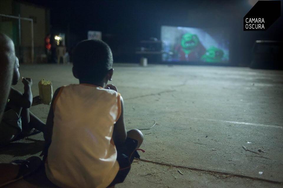 Cine alternativo para las regiones: así funciona la 'cinevan'