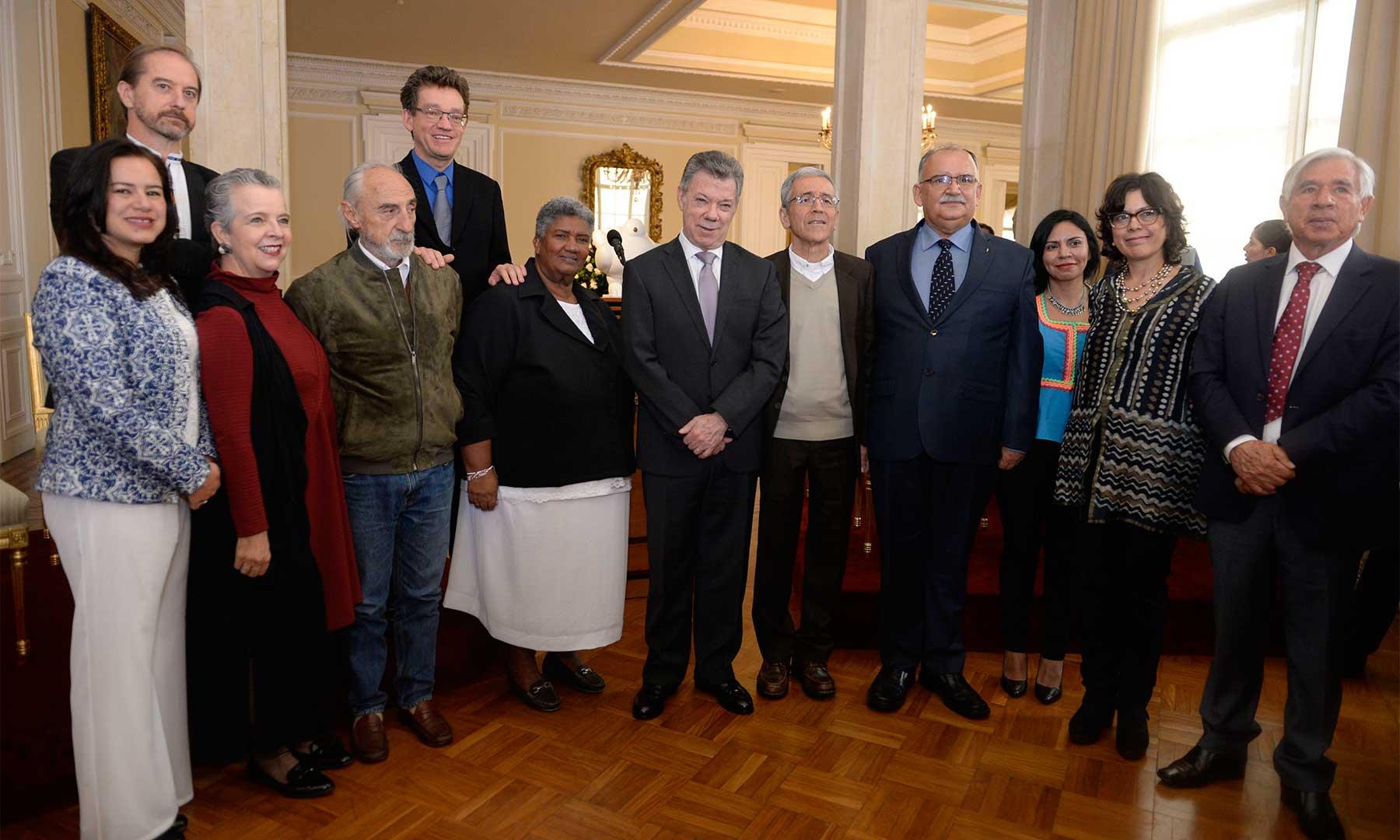 Armar el rompecabezas de la verdad: el reto que hoy asumen 11 comisionados