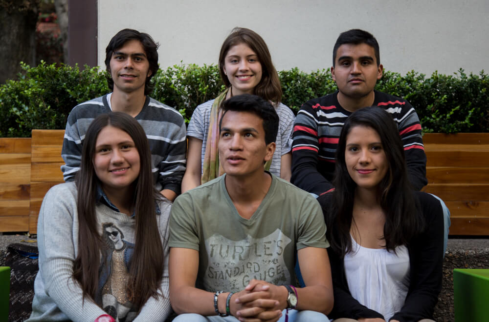 Los estudiantes de la Javeriana que se inventaron la primera escuela de paz en las comunas de Soacha