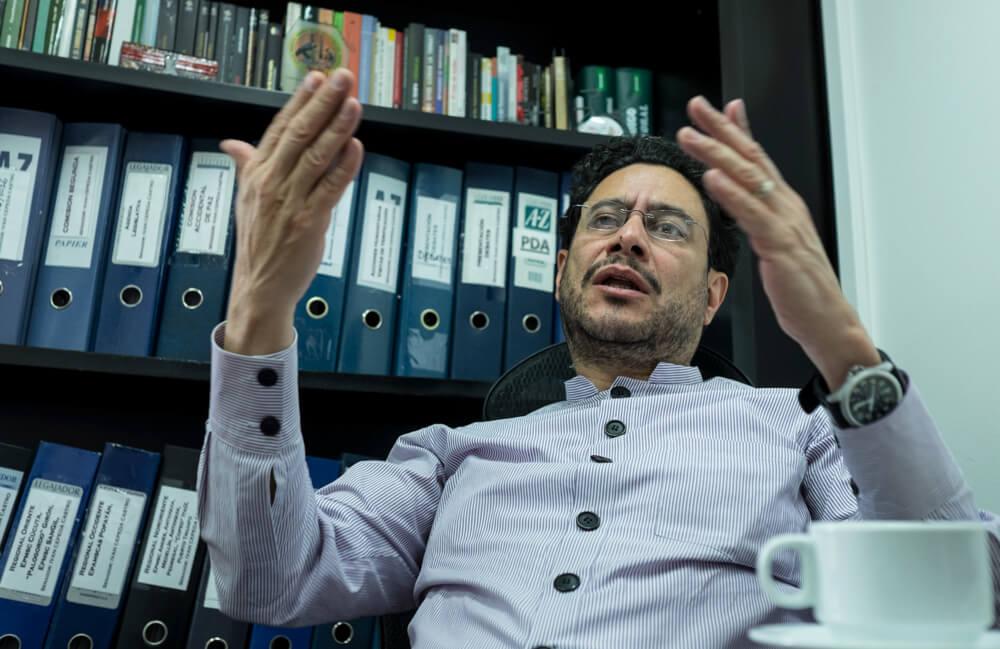 """""""El acuerdo de paz tiene que estar listo antes de fin de año"""": Iván Cepeda"""