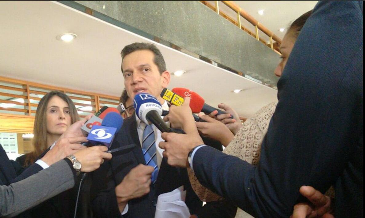 Bitácora de la incertidumbre: día 40, el No pide espacio en televisión para responderle a Santos