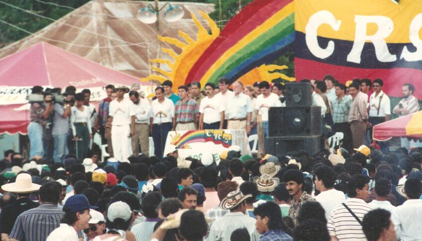 La paz que firmaron cinco guerrillas colombianas en los 90