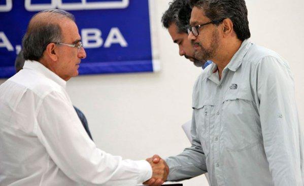 """Humberto de la Calle e """"Iván Márquez"""" explican el acuerdo de víctimas"""