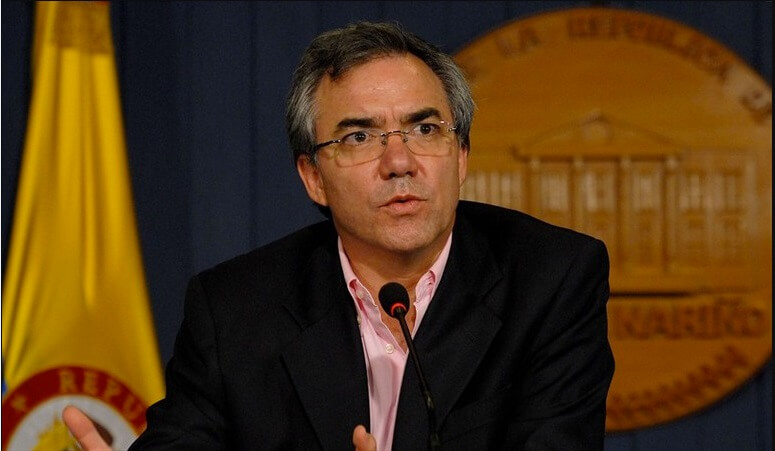 ¿Cabe el exministro Diego Palacio en la justicia transicional?