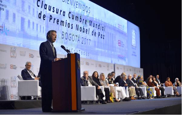 Cumbre de Nóbeles de Paz: entre el show, la solidaridad y los discursos