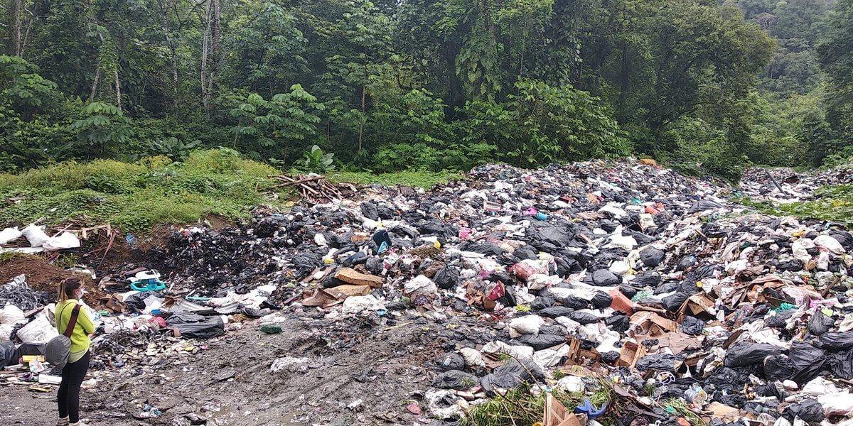 Líderes amenazados y basura por montones: la realidad de Bahía Solano
