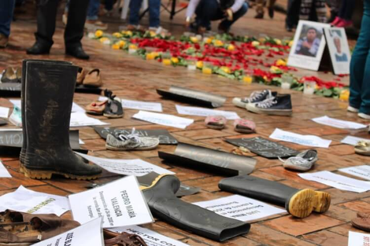 Las víctimas de desaparición forzada le piden certezas a Iván Duque