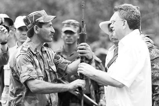 Condenan por primera vez a una guerrilla en Justicia y Paz
