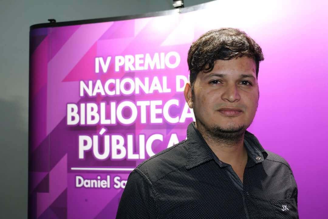 El bibliotecario que quiere curar con libros la violencia en el Catatumbo