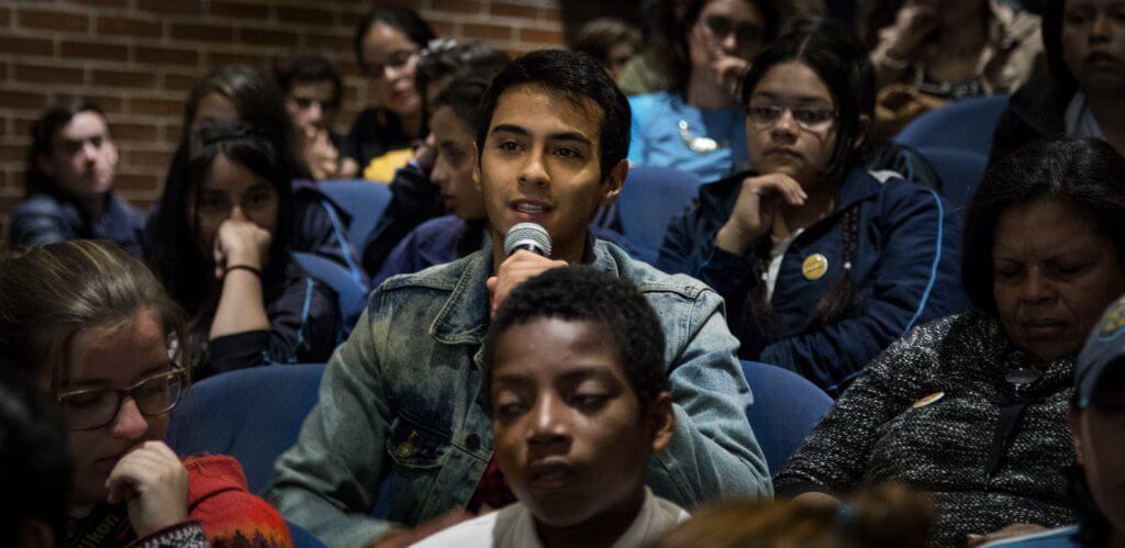 Los jóvenes quieren saber más sobre la paz y tienen estas preguntas