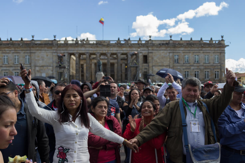 Música y bendiciones indígenas: así fue el concierto por el partido de las Farc