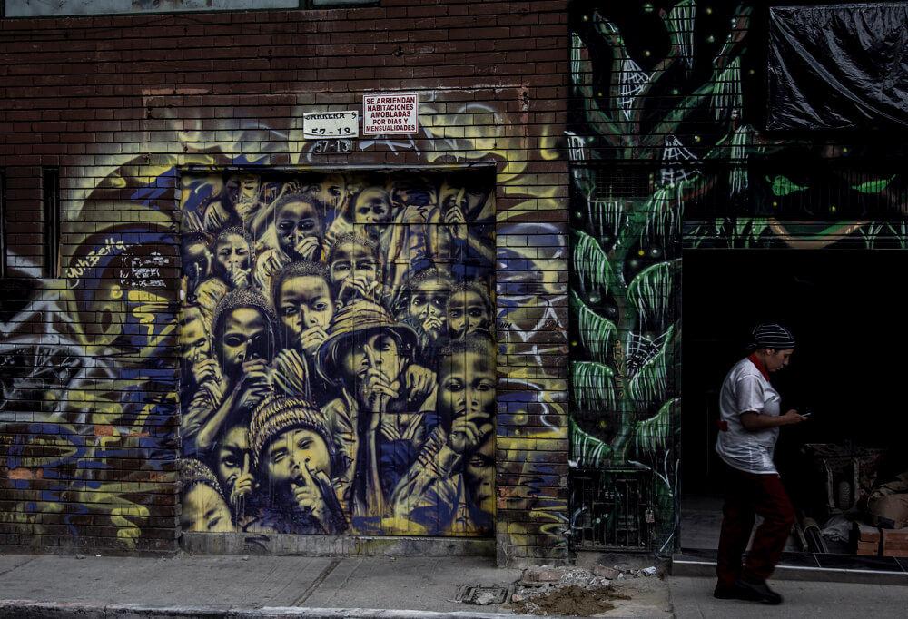 Resultado de imagen de pobreza grafitis