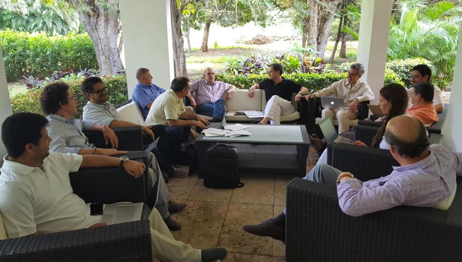 Bitácora de la incertidumbre: día 33, empezó la discusión de las propuestas del No en Cuba