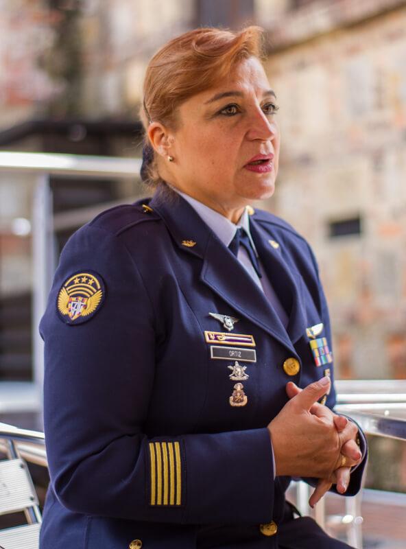 """""""La guerra trata de arrebatarle a uno su esencia de mujer"""", suboficial Diana Ortiz"""