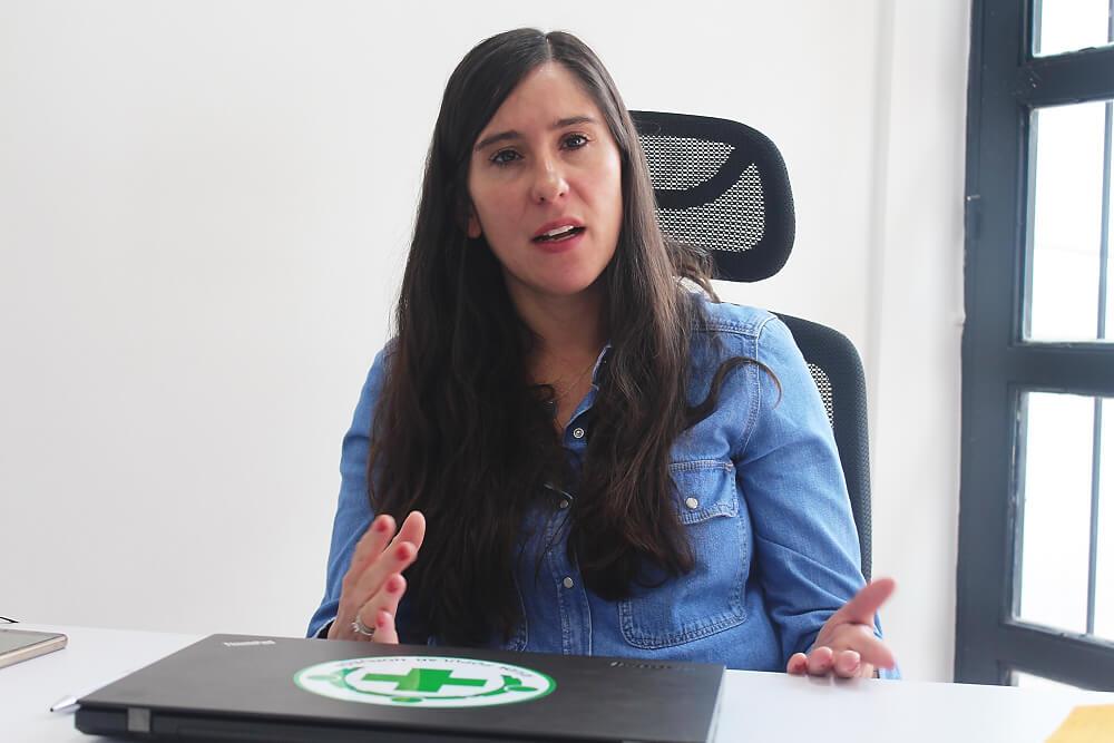 La mujer que lideró el primer ejercicio entre guerrilleros y militares para desminar a Colombia