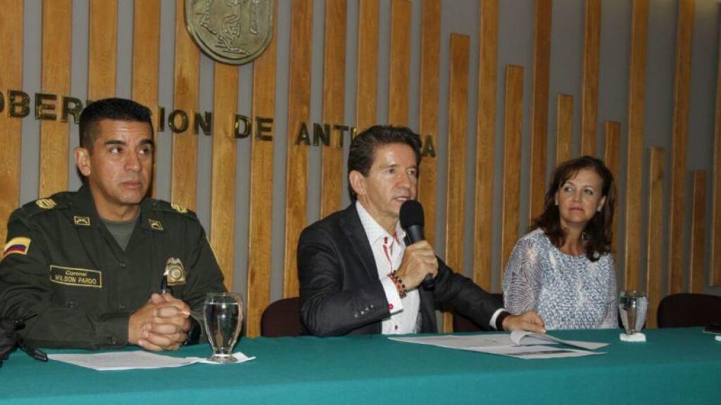 ¿Vicealcaldes militares para el posconflicto? La polémica propuesta del gobernador de Antioquia
