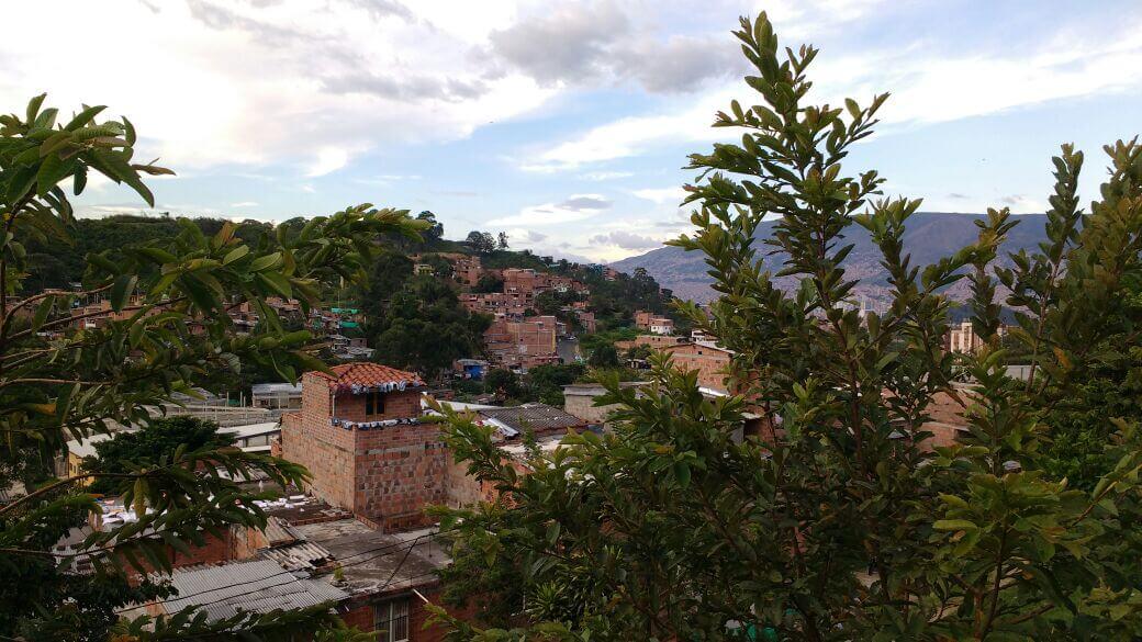 Asonadas, balaceras y combos sin cuartel: Medellín prende alarmas por la violencia