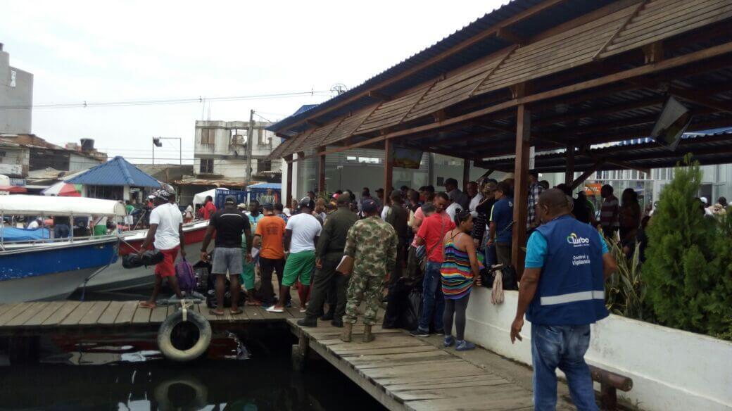 La Policía y Migración dicen verdades a medias para evitar que ayuden a los cubanos varados en Urabá