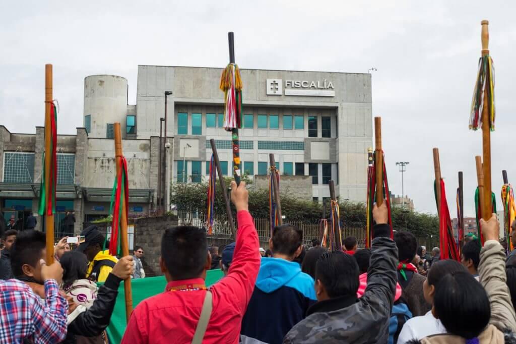 """""""Ser líder no es delito"""": Así protestaron los dirigentes sociales en la Fiscalía"""