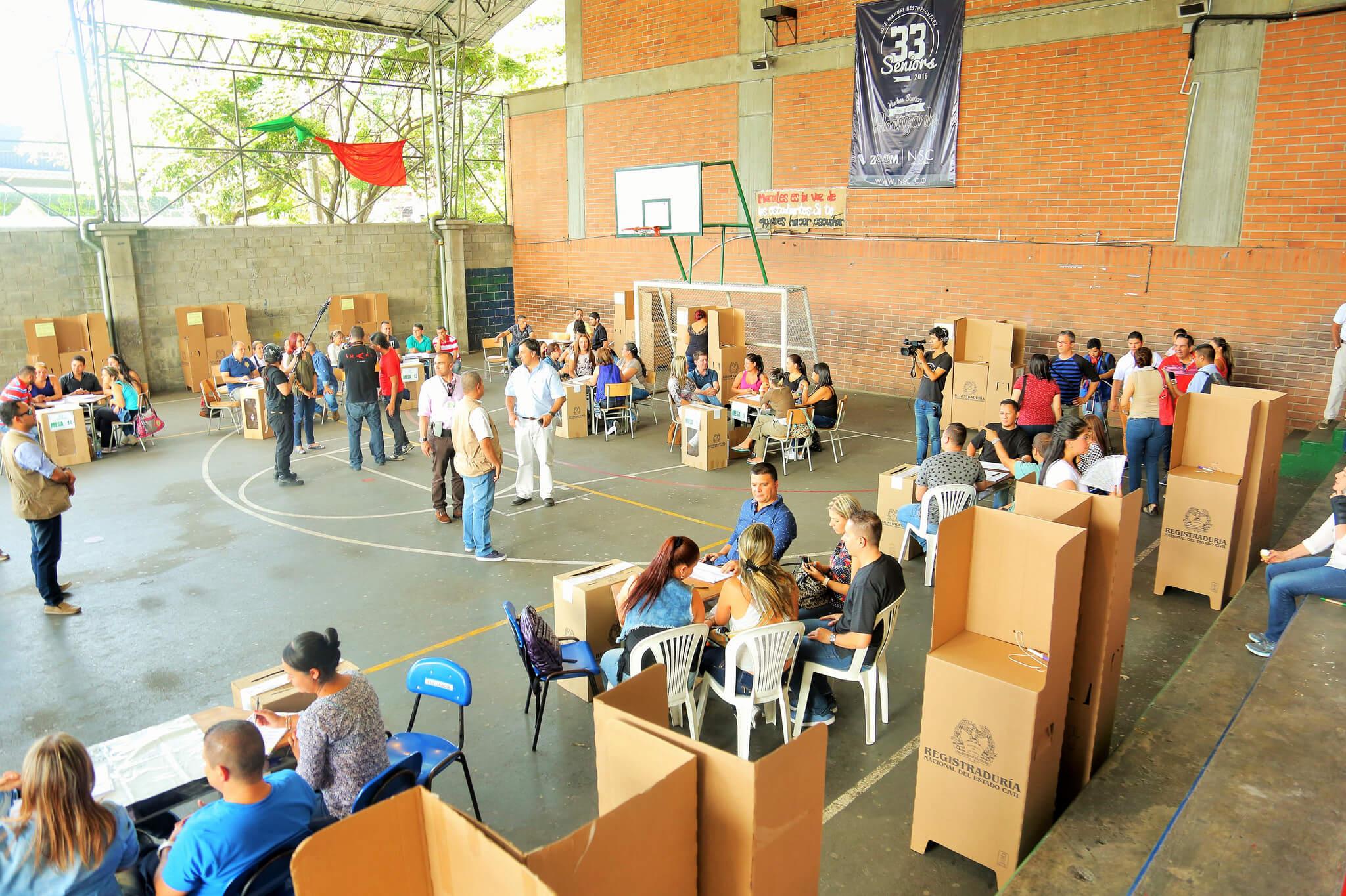 """""""Colombia es el país donde a la gente menos le interesa la política"""": OCDE"""