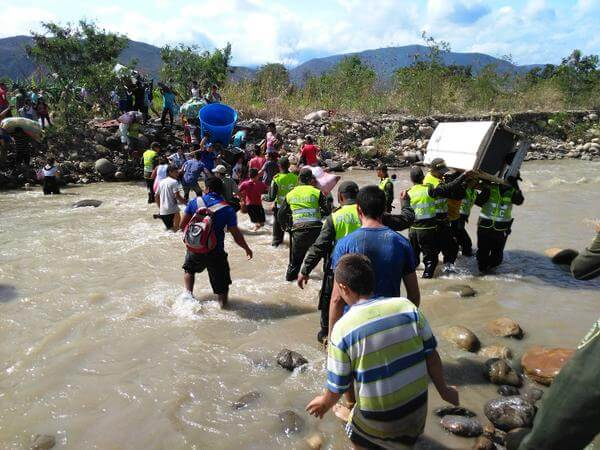 ¿Quiénes son los paramilitares de los que habla Nicolás Maduro?