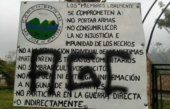 Miedo en San José de Apartadó. Los Urabeños pintaron sus siglas cerca de la comunidad de paz