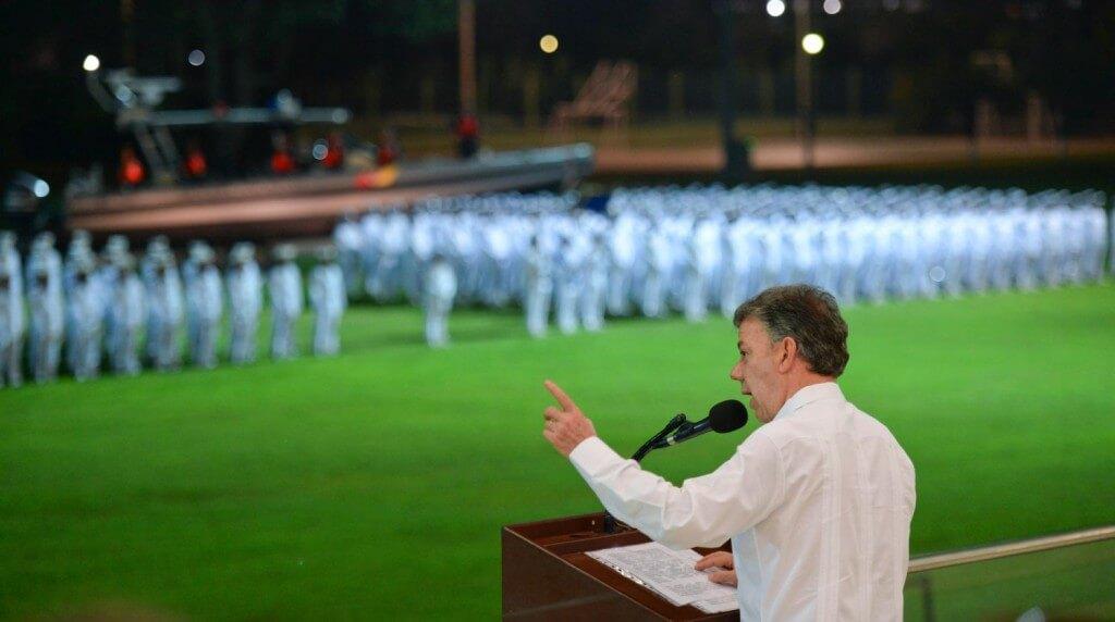 La primera medida de Santos para bajar la intensidad de la guerra