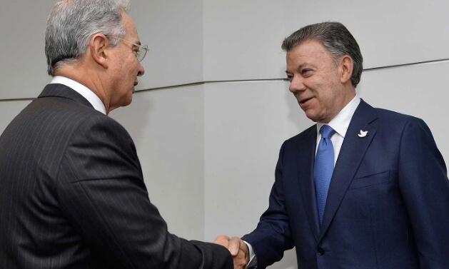 Nadie quiere salir de la conversación de paz: así están jugando los políticos