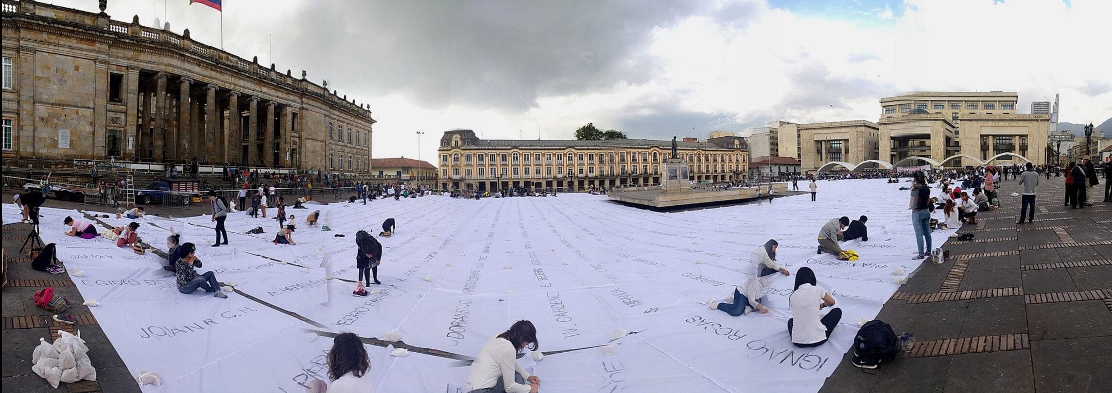 Bitácora de la incertidumbre: día 9, los nombres de las víctimas se tomaron la Plaza de Bolívar
