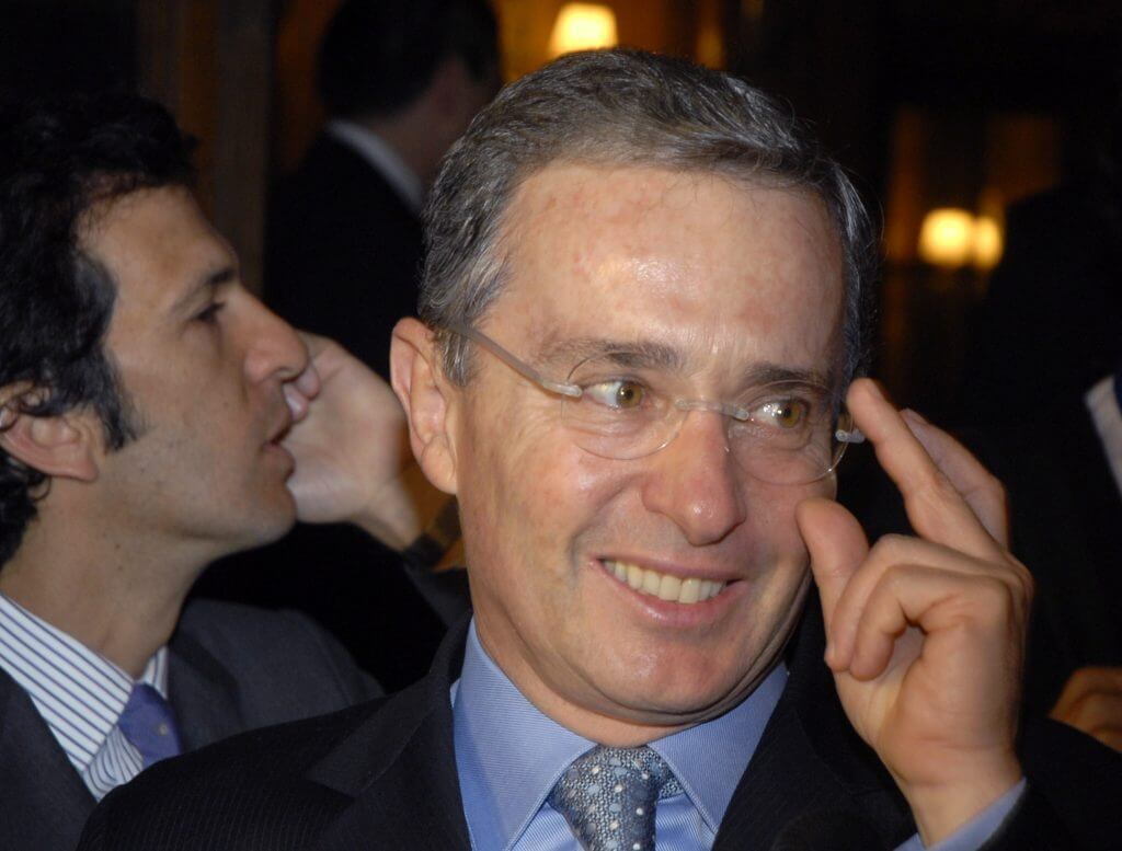 ¿Conocía Álvaro Uribe las objeciones a la JEP antes de que Duque las anunciara?