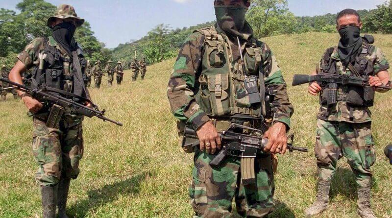 ¿Vamos a seguir diciendo que en Colombia no hay paramilitares?