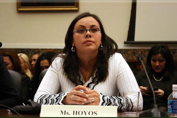 Piden a Santos proteger a una de las víctimas que viajó a La Habana