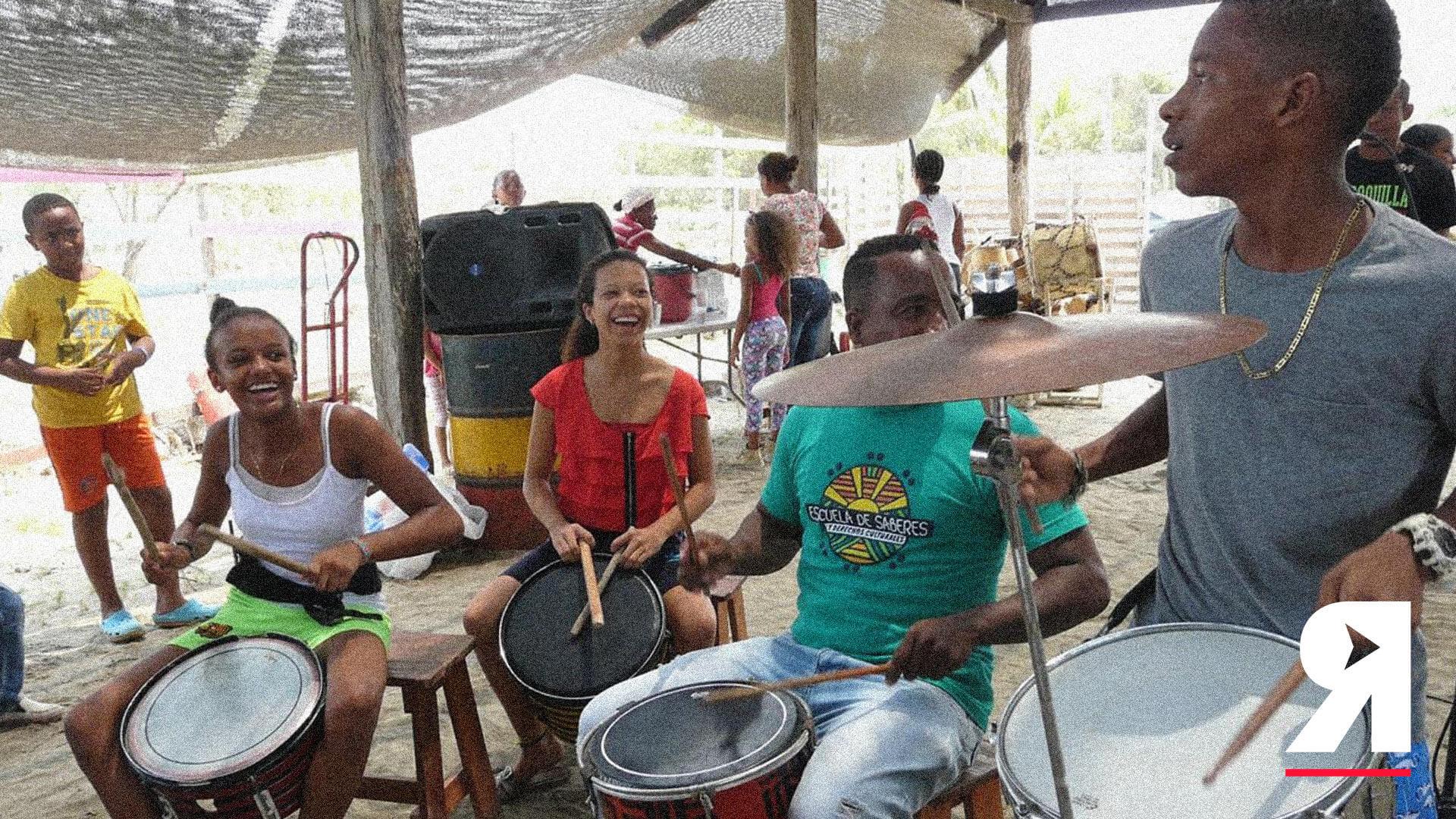 Tambores, esos instrumentos de resistencia para los niños de la Boquilla