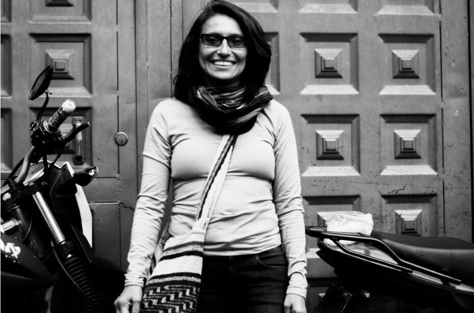 Del monte a la calle: acompañé a una excombatiente a hacer campaña