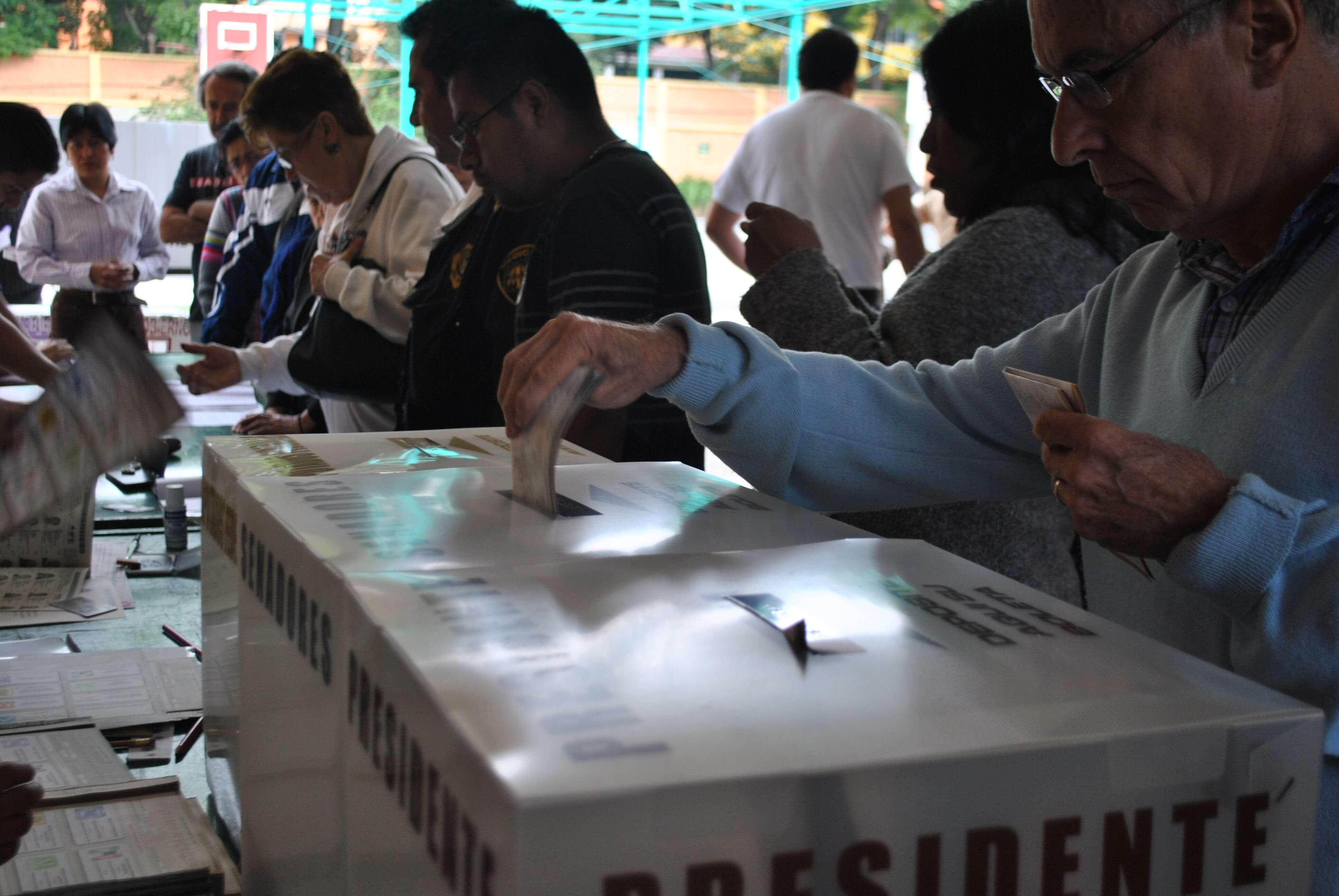 Cinco fraudes que ponen en peligro las elecciones presidenciales