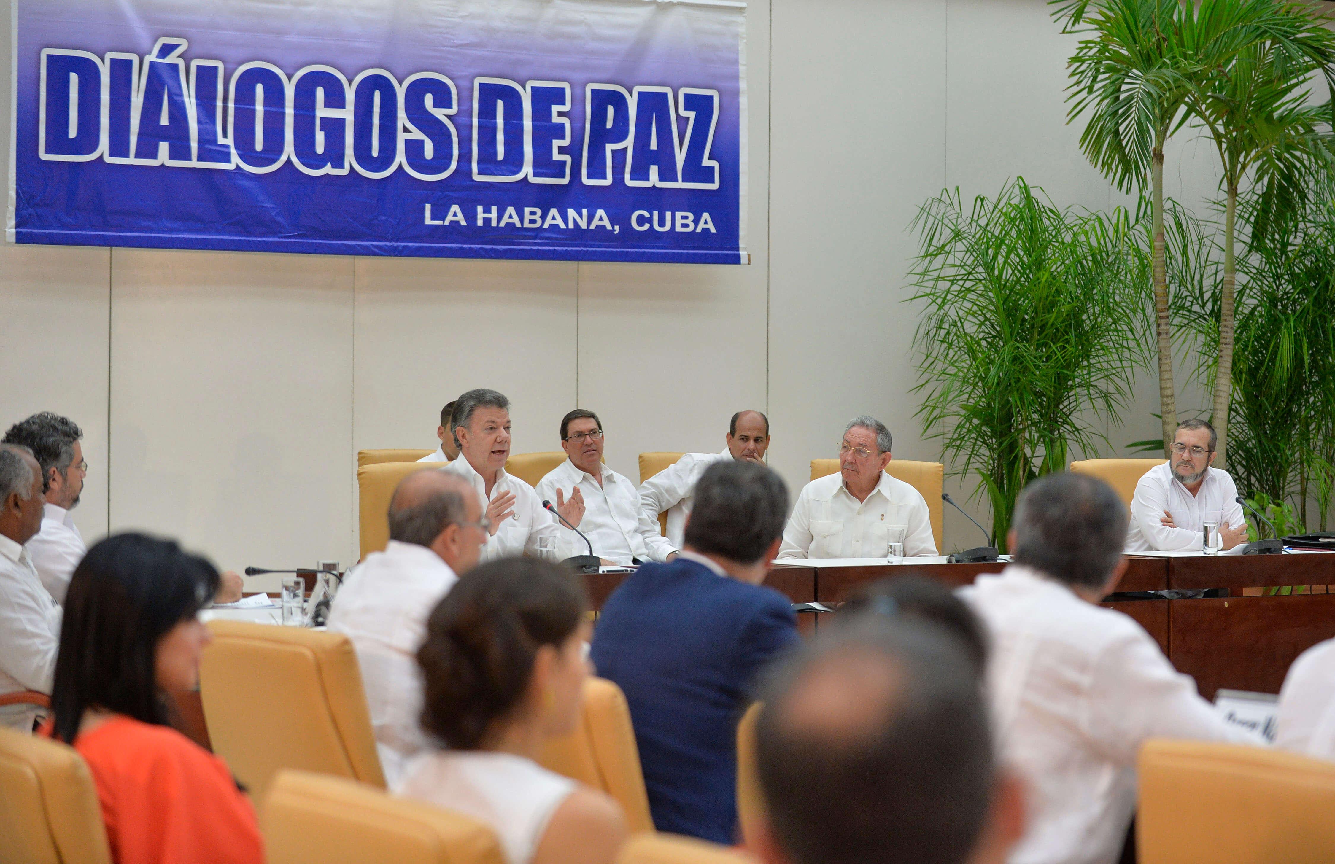 """""""Les guste o no"""": Santos insiste en el plebiscito"""