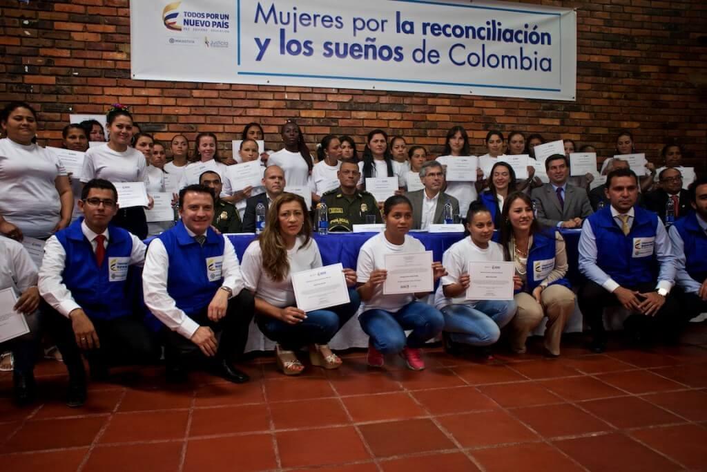 """La pelea de 34 exguerrilleras por """"el derecho a ser perdonadas"""""""