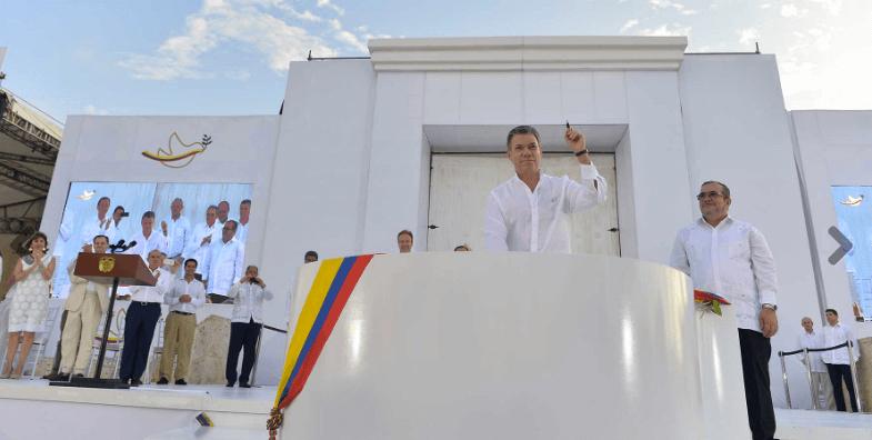 """""""Señores de las Farc, bienvenidos a la democracia"""": 10 frases de Santos en la firma del acuerdo"""