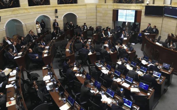Los 10 momentos de la aprobación en el Senado del nuevo acuerdo de paz