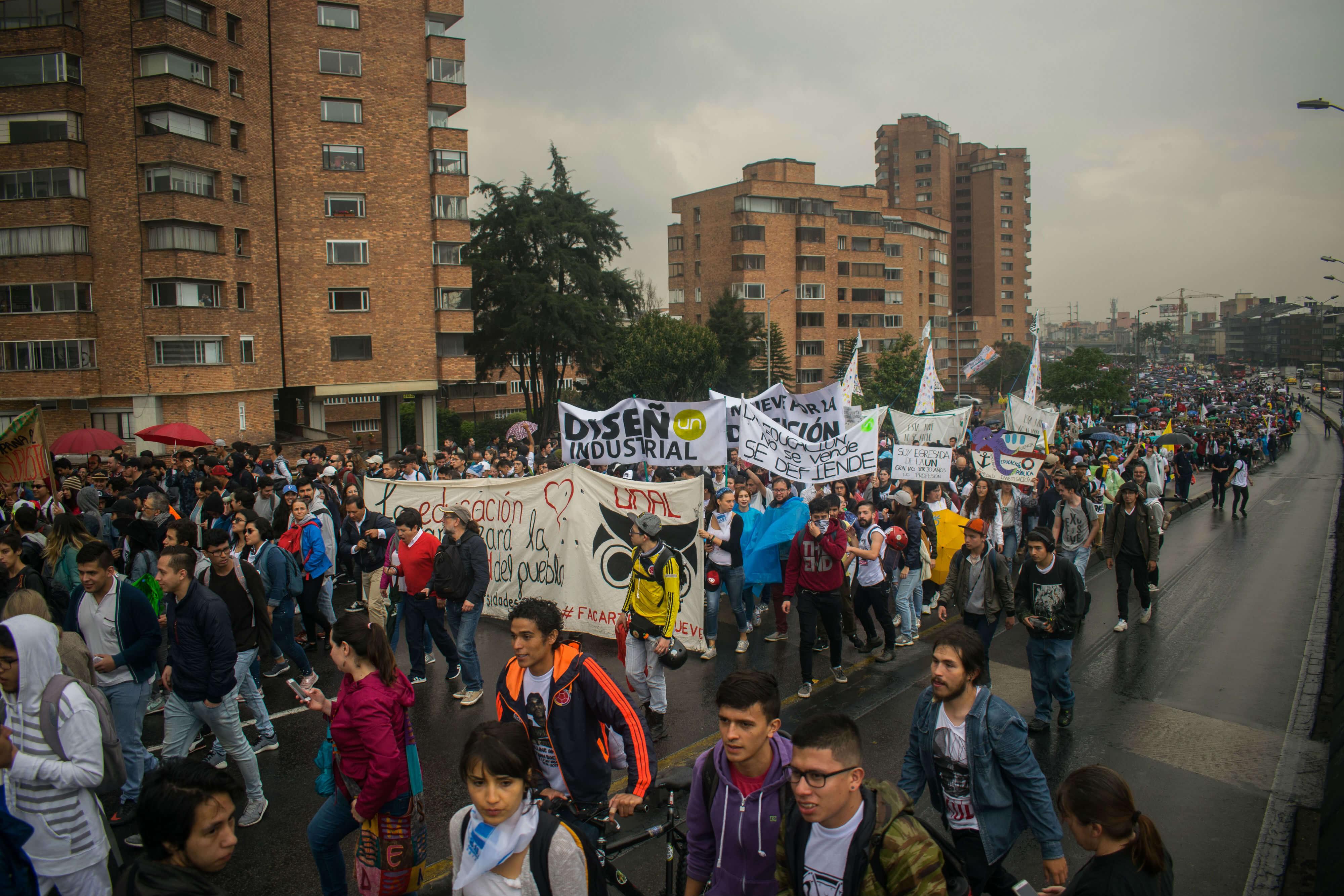 Galería: Así transcurrió la marcha estudiantil por la educación pública
