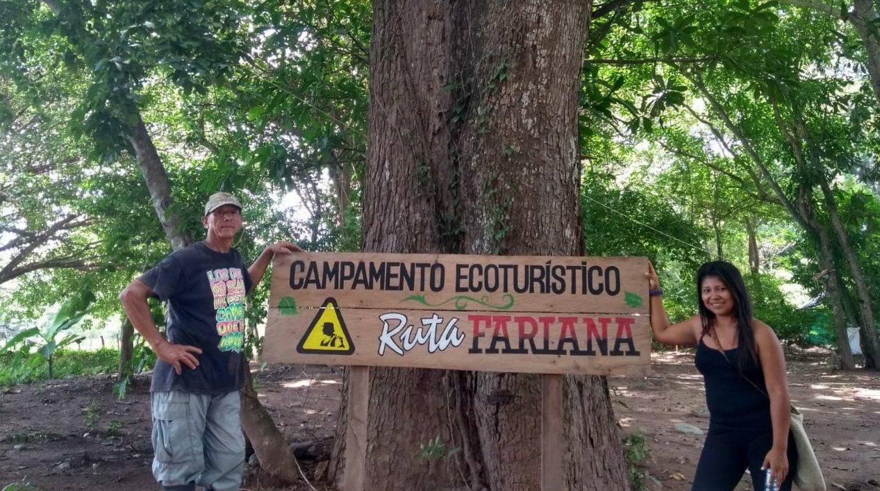 Excombatientes de las Farc recrean un campamento guerrillero como atracción turística